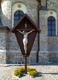 Иисус Христос на кресте на стене Стоковые Фотографии RF