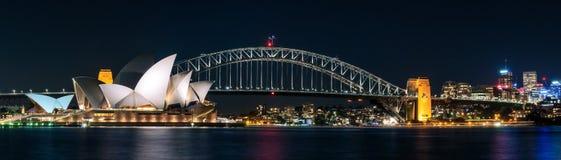 Иконический взгляд Сиднея на ноче Стоковое Изображение RF