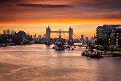 Иконический мост башни в Лондоне стоковое изображение rf