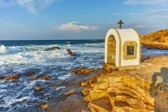 Иконостас St Peter и St Nicholas на береговой линии деревни Chernomorets, зоны Burgas Стоковое Изображение RF