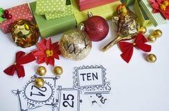 иконы элементов рождества шаржа календара пришествия приурочивают различное Процесс творения, handmade Подарки в коробках Новый Г Стоковая Фотография RF