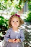 иллюстрация девушки меньший сладостный вектор стоковое изображение rf