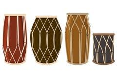 Иллюстрация на барабанчиках разных видов темы больших покрашенных установленных аудио бесплатная иллюстрация