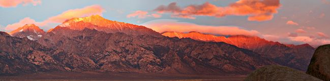 Иллюстрация предпосылки Северной Америки голубого неба ландшафта горы захода солнца красная гениальная красная стоковая фотография