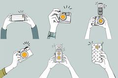Иллюстрация рук щелкая изображения с цифровыми приборами бесплатная иллюстрация