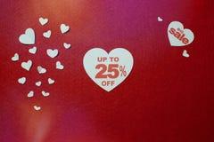 Иллюстрация скидки номера процента в сердце До 25, большая продажа стоковые изображения