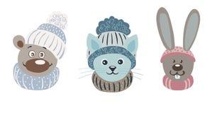 Иллюстрация шаржа вектора милых характеров Медведь, кот и зайцы в крышках и шарфах Стоковое Изображение