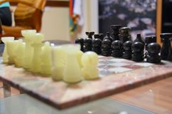 иллюстрация chessboard шахмат предпосылки соединяет белизну Стоковые Фотографии RF