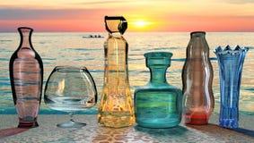 Иллюстрация 3D искусства творческая стекла crystall покрасила вазы на заходе солнца стоковая фотография rf