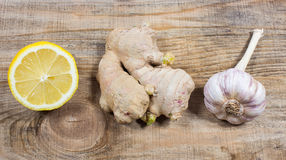 Имбирь, лимон, и чеснок Концепция для естественной медицины Стоковое фото RF