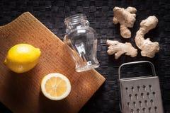 Имбирь, лимон, терка и опарник Стоковое Изображение