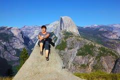 имеет женщину верхней части остальных горы Стоковая Фотография RF