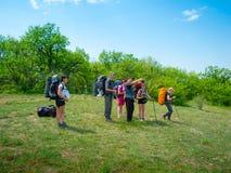 имейте остальные hikers стоковое изображение rf