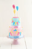 Именниный пирог с воздушными шарами Стоковое фото RF