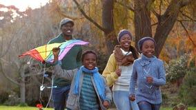 иметь потехи семьи счастливый совместно видеоматериал