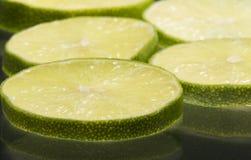 лимон изолированный предпосылкой отрезает белизну Стоковая Фотография