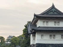 Имперский дворец на заходе солнца подъема японии зданий здания зодчества квартиры башня токио конкретного стеклянного высокого са Стоковые Фото
