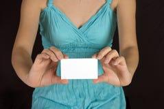имя удерживания девушки карточки Стоковое Изображение RF