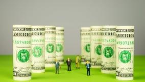 Инвесторы и башни доллара Стоковая Фотография RF