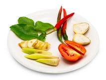 Ингридиенты для варить пряные суп или Tom yum стоковое изображение rf