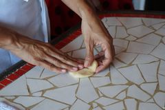Ингридиенты для делать хлеб стоковое фото rf