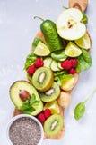 Ингридиенты для зеленого сока smoothies вытрезвителя Стоковая Фотография