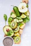 Ингридиенты для зеленого сока smoothies вытрезвителя Стоковое Изображение