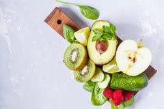 Ингридиенты для зеленого сока smoothies вытрезвителя Стоковые Изображения RF