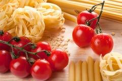 Ингридиенты для итальянских макаронных изделия Стоковое Фото