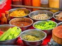 Ингридиенты для салата в внешней столовой Лаос Стоковая Фотография RF