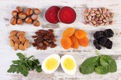 Ингридиенты и продукты содержа железное и диетическое волокно, здоровое питание стоковая фотография