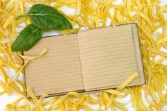 Ингридиенты макаронных изделий шпината Стоковые Фото