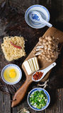 Ингридиенты для азиатских рамэнов супа Стоковое Изображение RF