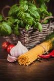 Ингридиенты для спагетти Стоковые Фото