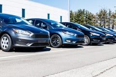 Индианаполис - около март 2018: Дилерские полномочия автомобиля и тележки Форда Форд продает продукты под брендами Линкольна и Mo Стоковое Изображение RF
