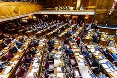 Индианаполис - около февраль 2018: Палата Представителей положения Индианы в встрече делая аргументами за и против Билле II Стоковое Изображение