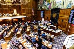 Индианаполис - около февраль 2018: Палата Представителей положения Индианы в встрече делая аргументами за и против Билле III Стоковое Изображение