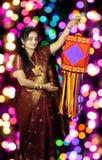 Индийская женщина в Diwali стоковая фотография