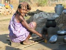 индийская старая соплеменная женщина села Стоковая Фотография