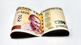 Индийские бумажные деньги 200 рупий стоковые изображения
