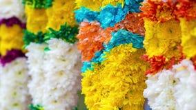 Индийские красочные гирлянды цветка сток-видео