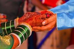 Индусская свадебная церемония, невеста и жених Стоковые Фото
