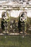Индусские углы схватывая вазы на Goa Gajah, Бали Стоковая Фотография RF