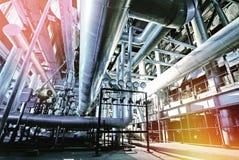 Индустриальная зона, стальные трубопроводы и кабели Стоковые Фотографии RF