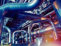 Индустриальная зона, стальные трубопроводы и насосы Стоковые Фото