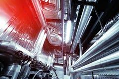 Индустриальная зона, стальные трубопроводы и оборудование Стоковое Фото