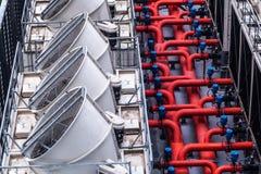 Индустриальная система с вентиляторами, предпосылка воздушного охлаждения идеи концепции окружающей среды дизайна архитектуры зда стоковое фото rf