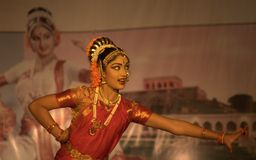 инец танцульки bharatnatyam классический Стоковые Изображения RF
