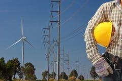 Инженер в станции генератора энергии ветротурбины Стоковое Фото