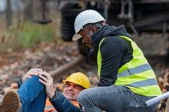 Инженер поврежденный на работе стоковое изображение